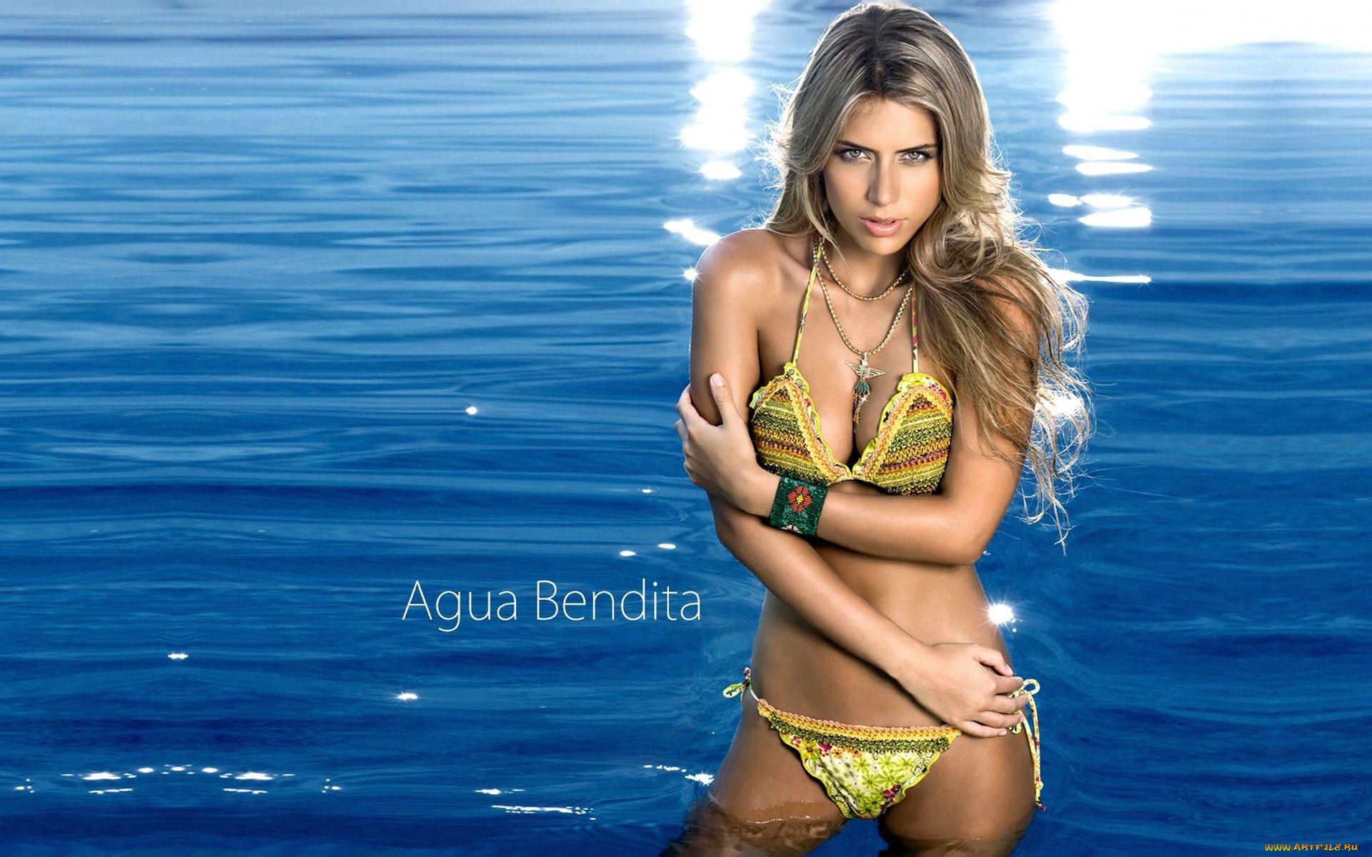 Фото девушки в воде 11 фотография